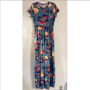 Super soft floral maxi dress with pockets💕